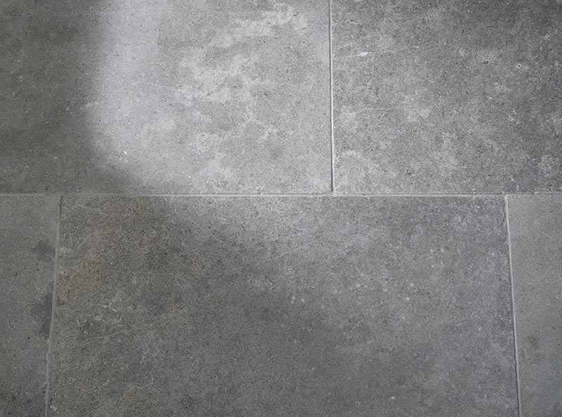 Lanesborough Limestone Seashells Flagstone Flooring