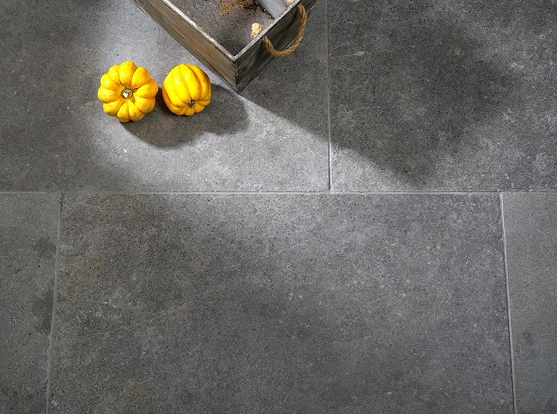 Lanesborough Soft Tumbled Edge Flagstone