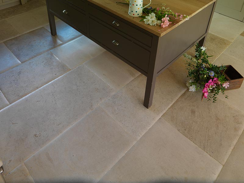 Fontenay Pillow Edge Limestone Flooring Tile